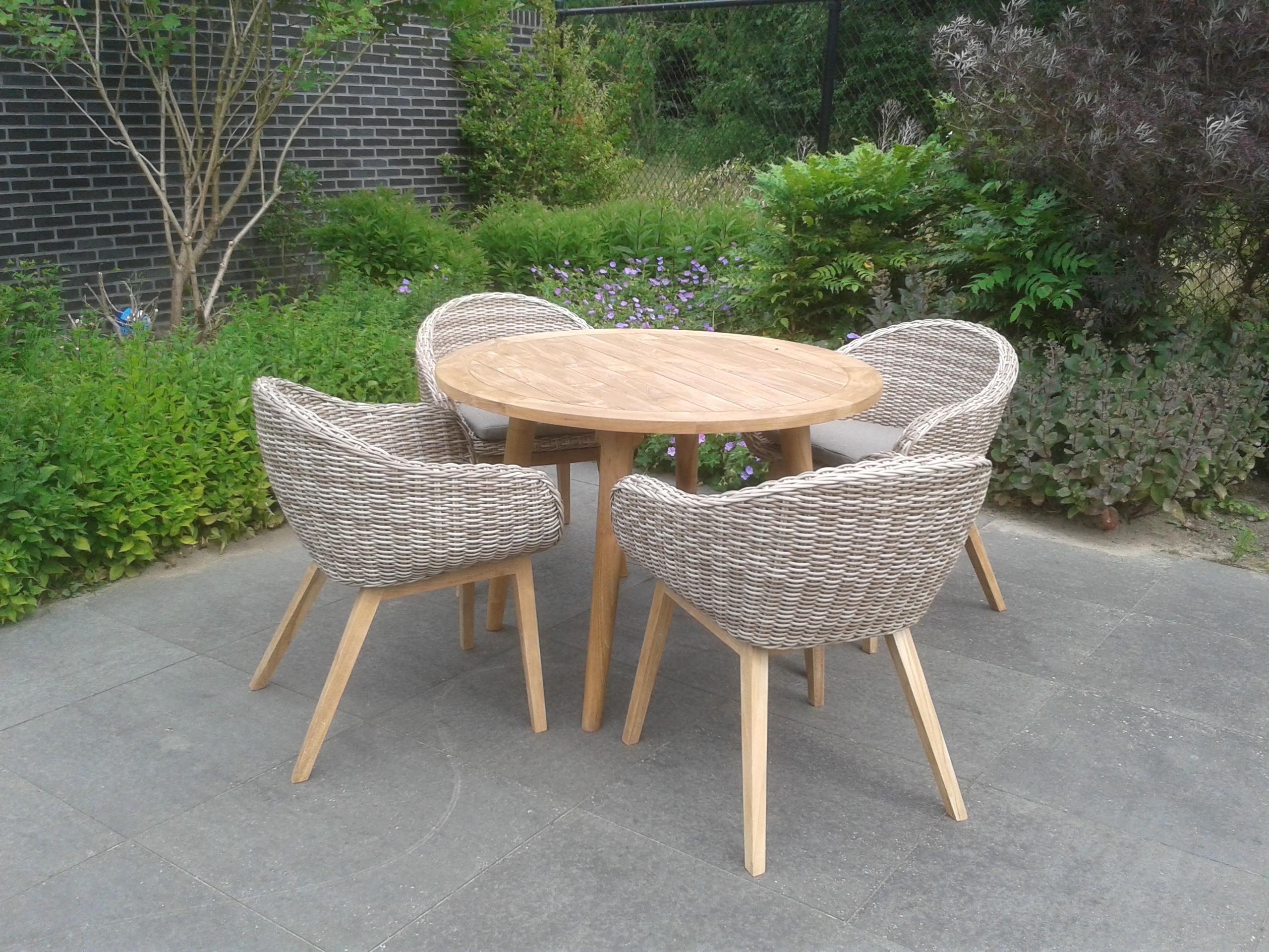 Kunststof rotan tuinstoelen tuinstoelen rietlook idee n over rieten stoelen op rotan en wit - Opslag idee lounge ...
